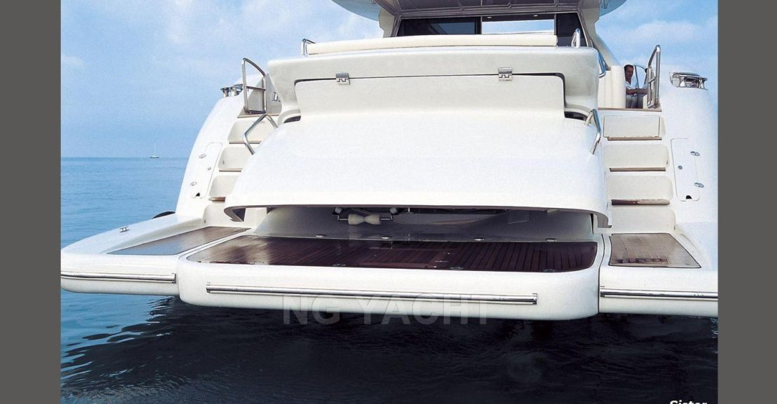 AZIMUT 86S (2007) For Charter full