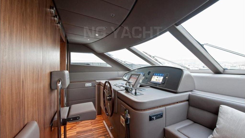 SANLORENZO 82 (2011) For Charter full