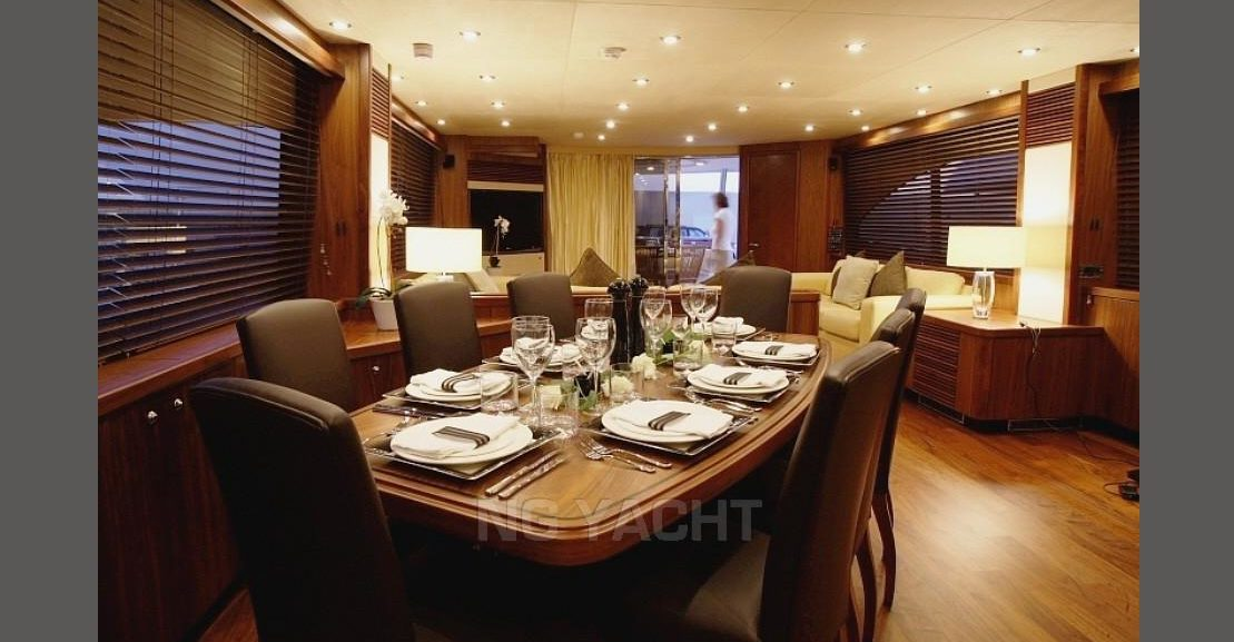 SUNSEEKER 90 YACHT (2007) For Sale full